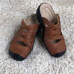 KEEN Brown Leather Slip-On Mules Clogs EUC Sz 6.5